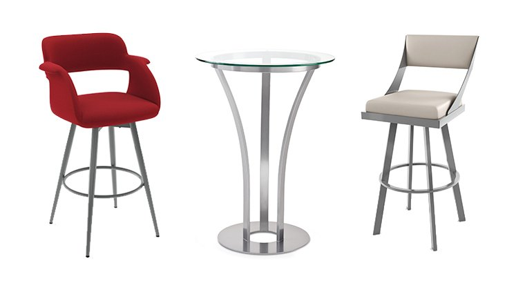 Malaket bar stools and table